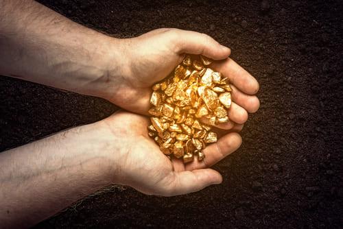 Poe qué invertir en oro físico