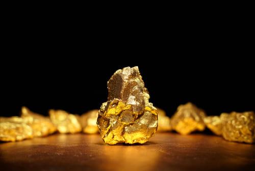 7 factores que influyen en el precio del oro